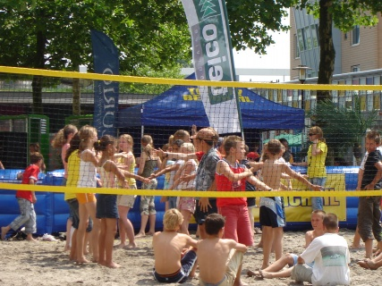 Beachvolleybal in stad